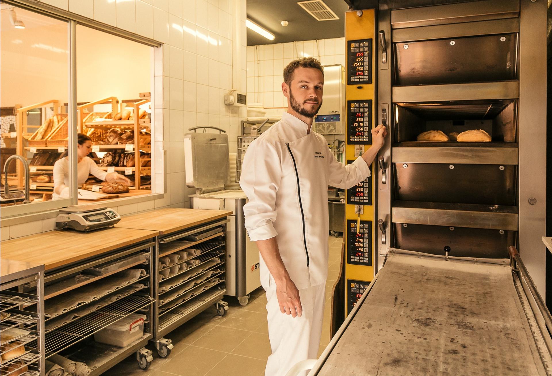 Cum facem maia naturală acasă, în 4 pași simpli, cu Tom Rees, patiser boulanger Pain Plaisir