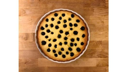 Clafoutis with almonds and blueberries, a recipe by Tom Rees