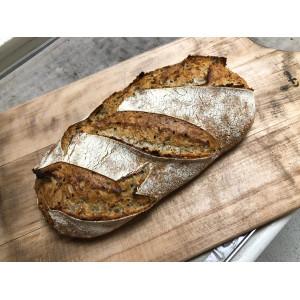 Pâine țărănească cu semințe jumatate